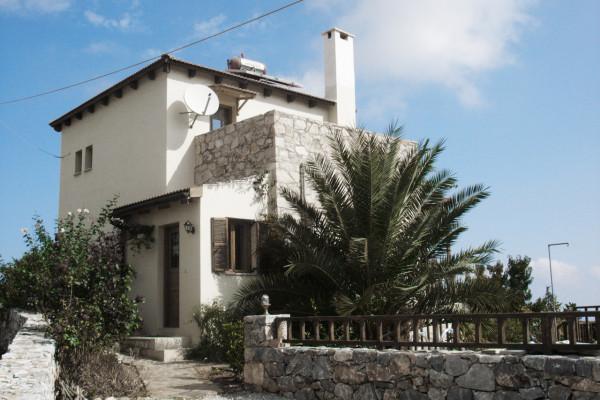 Properties in Apokoronas