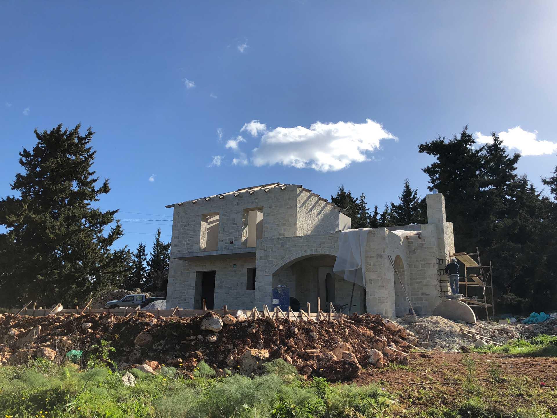 Stone walls in Xirosterni
